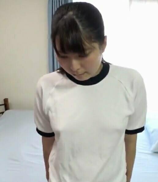 【豊中アリス】少女がアナルに入っていたおっさんのチンコを即フェラ!アナル処女なのにハードすぎるアナルプレイ!