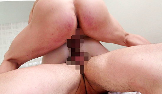 初めての尻穴SEXなのに、拳ずっぽり呑み込む変態アナルフィスト女、生誕。