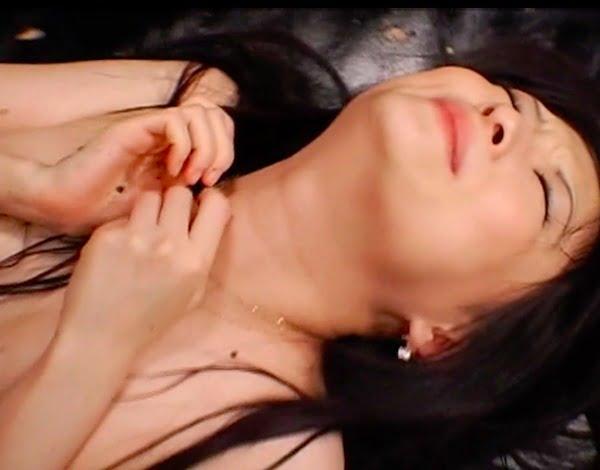 ミステリアスな美少女がゲロイラマチオにうん汁ダダ漏れケツ穴ファックに激ヤバ作品