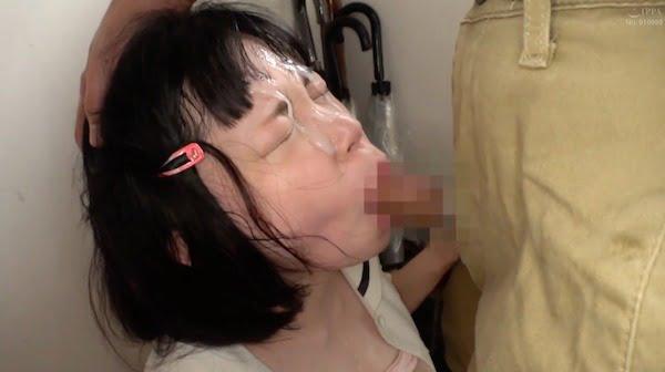 【名作】陰キャ少女がおじさんにアナルをガン掘りされてハメ潮しちゃいました
